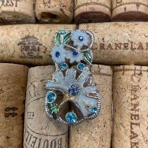 Jewelry - Best floral blue rhinestone pendant brooch